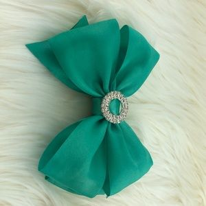 Other - Blue green head bow clip w/ buckle rhinestone